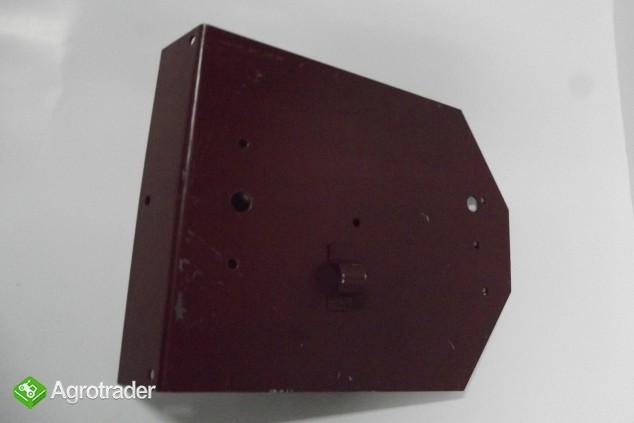 Wspornik lampy tylnej MF 3/MF4/URSUS 3512/4512 - zdjęcie 1