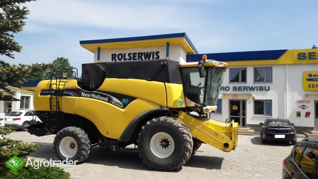 Kombajn zbożowy New Holland CX 860