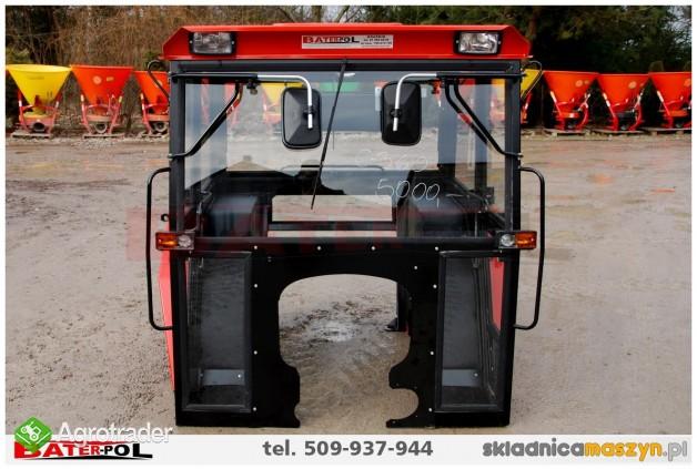 Kabina C-360 NAGLAK z metalowymi kanciastymi błotnikami (komfortowa)  - zdjęcie 1