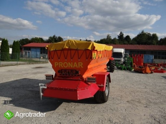 Posypywarka Komunalna PRONAR T 132 - zdjęcie 3